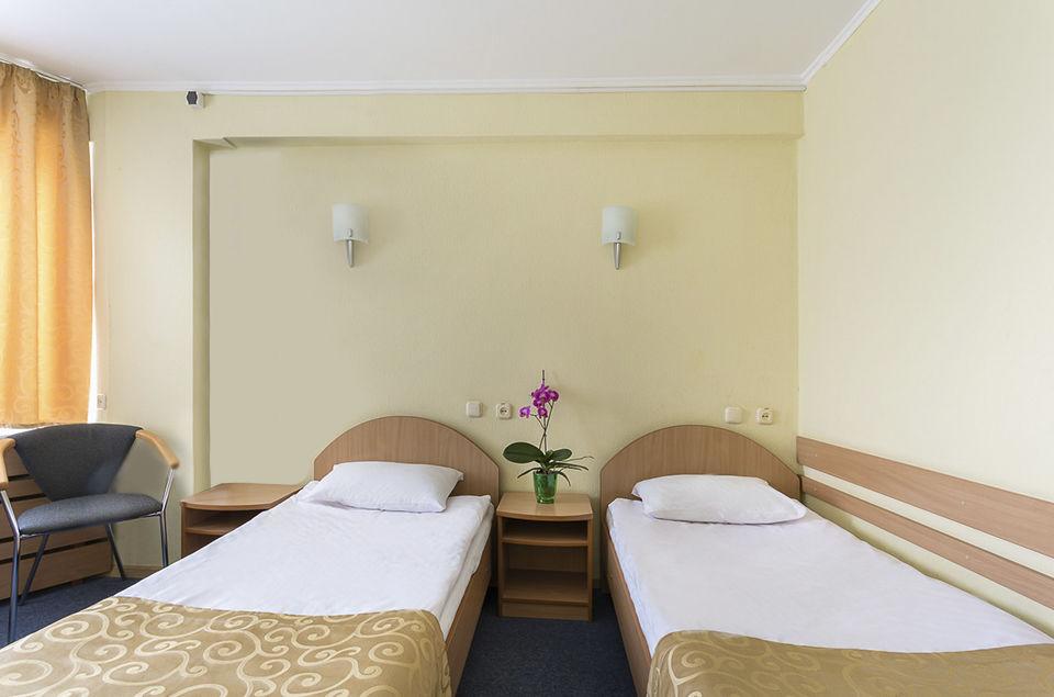 tourist-hotel-economy-twin-room-7