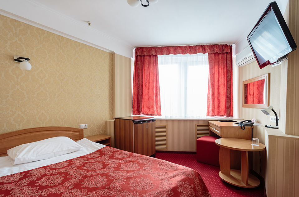 tourist-hotel-standard-single-room-01